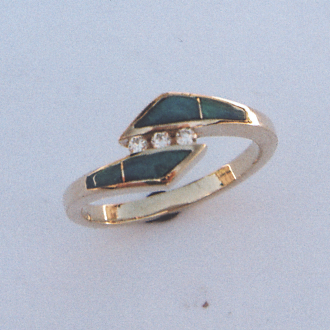 14 Karat Yellow Gold Ring with Diamond and Opal Inlay #G0043