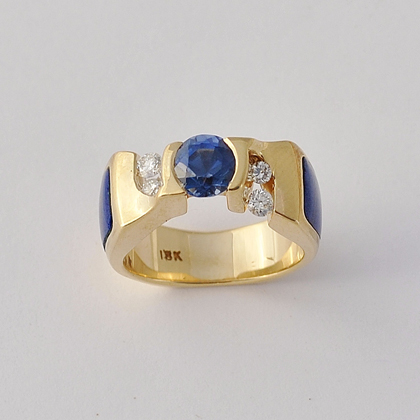18 Karat Yellow Gold Ring with Sapphire Lapis and Diamond #0051