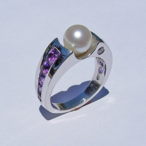 Amethyst and Pearl Mothers Ring #G0019