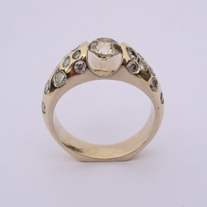 Custom Yellow Gold Ring with Diamonds #G0006