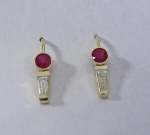 14 Karat Yellow Gold Earrings with Natural Ruby and Tapered Bageutte Diamond #G0079