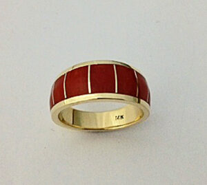 14 Karat Yellow Gold Ladies Natural Coral Inlay Ring #G0077