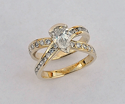 Gold and Diamond Engagement : Wedding Ring #G0101