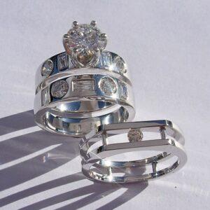 Diamond-Engagement-and-Wedding-Ring-set-in-platinum-by-Southwest-Originals-505-363-7150-