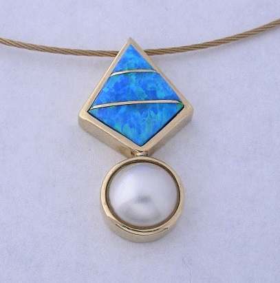 Womans-Gold-Pendants-by-Southwest-Originals-505-363-7150