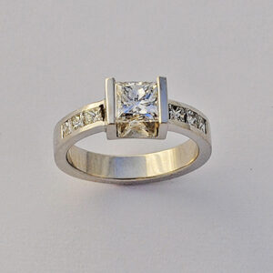 Mos ring