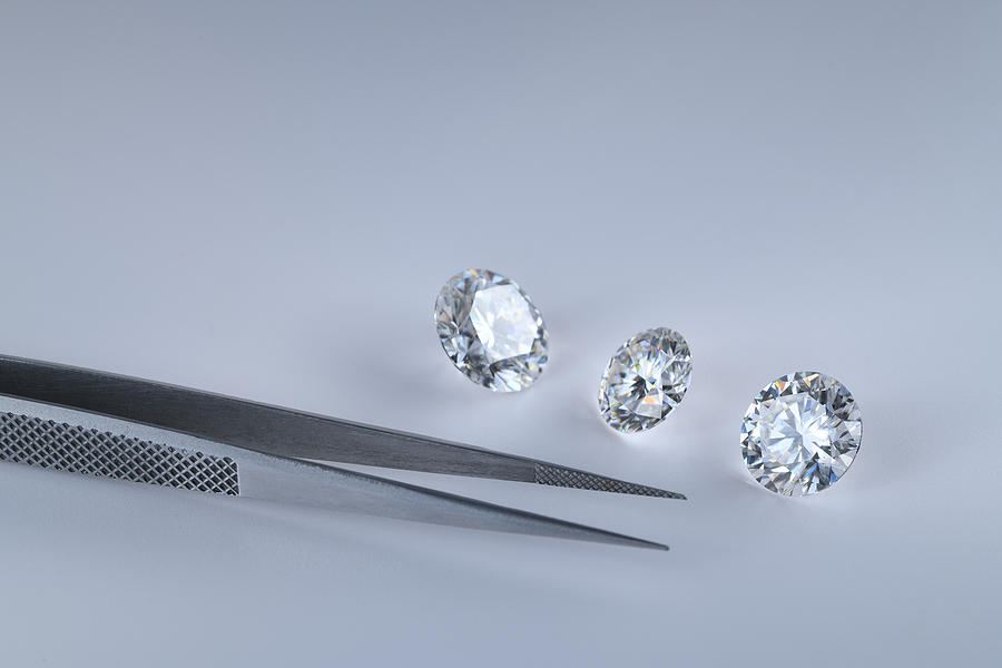 How to Select a Diamond Shape for Your Custom Engagement Ring